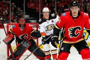 НХЛ: Филадельфия обыграла Сент-Луис, Калгари сильнее Анахайма