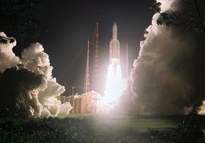 Индия вывела на орбиту три спутника