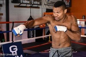 Альварес відмовився битися з Гвоздиком в елімінаторі WBC