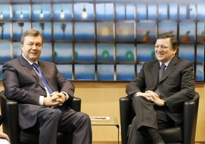 Янукович поздравил президента Еврокомиссии