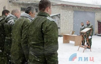 Сепаратистам ЛНР подарували ікони російського солдата