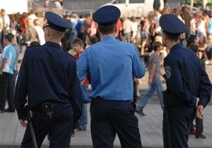 В Луганской области за сокрытие тяжкого преступления уволены трое милиционеров