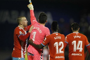 Воротар іспанського клубу в свій день народження забив гол зі своєї половини поля
