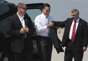 Агент Секретной службы США забыл пистолет в туалете самолета Ромни