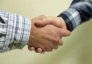 Половине украинок попадались интимные предложения при поиске работы - опрос