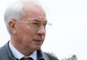 Азаров открыл первую очередь Жулянского путепровода в Киеве