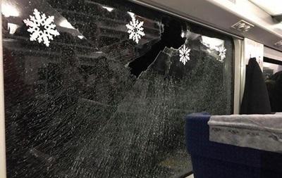 В певицу Руслану попали камнем в поезде Интерсити