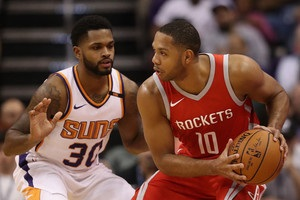НБА: Финикс проиграл Хьюстону, победы Кливленда, Оклахомы и Сан-Антонио