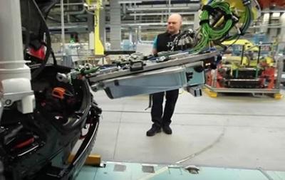 Mercedes побудує шість заводів з виробництва електромобілів
