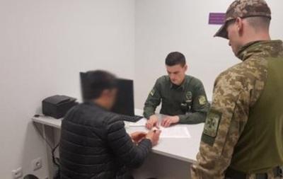В аеропорту Києва затримали  вербувальника терористів