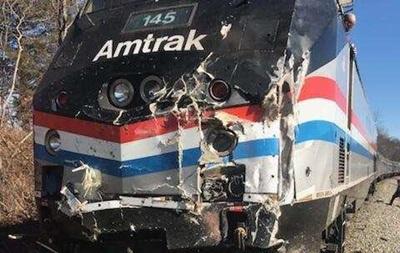 У США потяг з конгресменами протаранив вантажівку