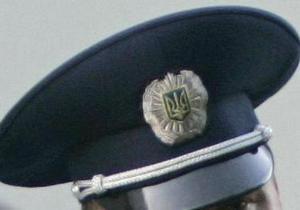 Директор одной из киевских школ запер в служебном кабинете журналистку 5 канала