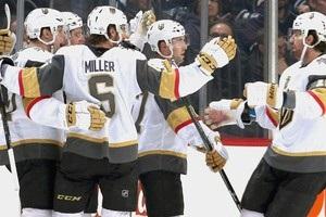 НХЛ: Нэшвилл забросил 5 шайб Лос-Анджелесу, Вегас в овертайме вырвал победу у Виннипега