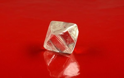 В Якутії знайшли два рідкісних алмази