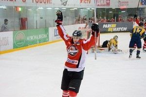 Караоке на льоду: український хокеїст заспівав після перемоги своєї команди