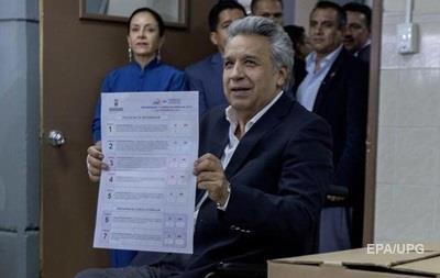 Эквадорцы проголосовали за ограничение числа президентских сроков