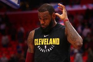 Відносини ЛеБрона з Клівлендом стали більш напруженими - ESPN