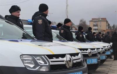 У Вінниці поліцейські отримали десять нових авто