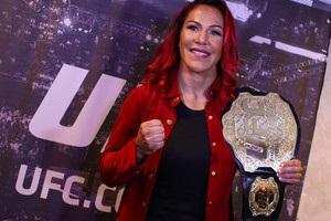 Сайборг проведе захист титулу UFC в бою з росіянкою