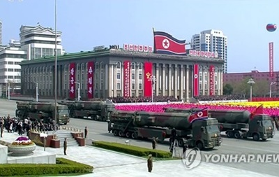 КНДР накануне Олимпиады провела военный парад