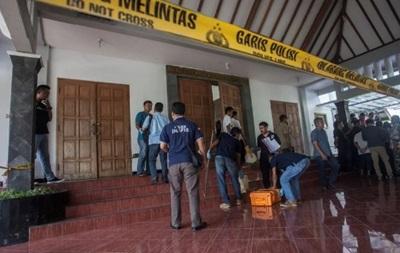 В Індонезії чоловік напав на парафіян церкви, четверо постраждали