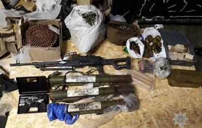 На Дніпропетровщині вилучено арсенал зброї