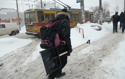В Україні збережеться прохолодна погода, місцями пройде сніг