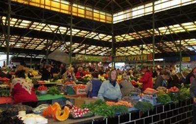 Продавців Львова зобов язали розмовляти тільки українською