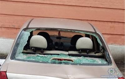 Поліція: 13 авто під Солом янським судом розбив одесит