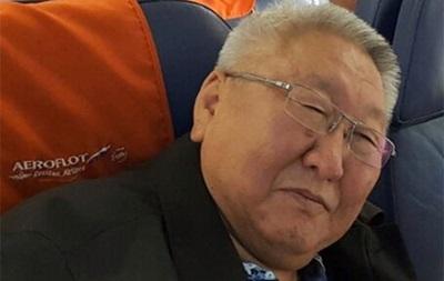 Помічника голови Якутії зняли з літака за дебош