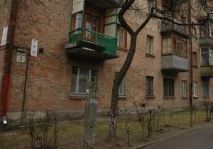 В Хмельницком с крыши пятиэтажного дома обвалились бетонные плиты