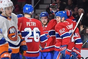 НХЛ: Монреаль победил Айлендерс, Тампа-Бэй проиграла Баффало