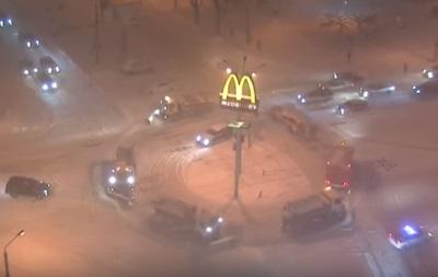 В Одесі  танцювали  снігоприбиральні машини