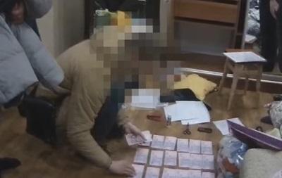 В Николаевской области два копа  обложили данью  наркомана