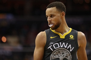 НБА: Миннесота проиграла Бостону, Голден Стэйт обыграл Сан-Антонио