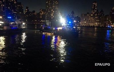 Крушение вертолета в Нью-Йорке: никто из пассажиров не выжил