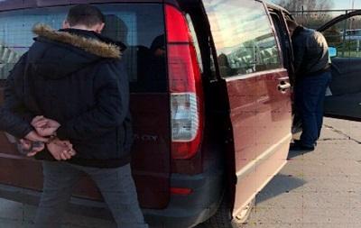 На кордоні затримано німця, який возив українок у борделі Німеччини