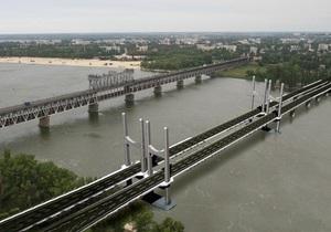 Янукович поручил начать строительство нового моста в Кременчуге в 2013 году