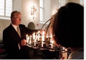В Норвегии почтили память погибших в нападениях