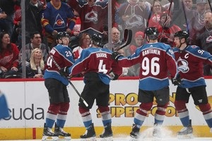 НХЛ: Колорадо разгромил Детройт, Чикаго уступил Сент-Луису