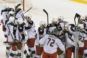 НХЛ: Коламбус обіграв Бостон, Лос-Анджелес в овертаймі здолав Міннесоту