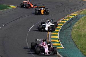 На Гран-прі Австралії буде три зони DRS