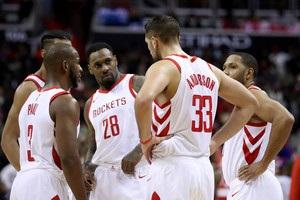 НБА: Х юстон зломив опір Детройта, Новий Орлеан переміг Лейкерс