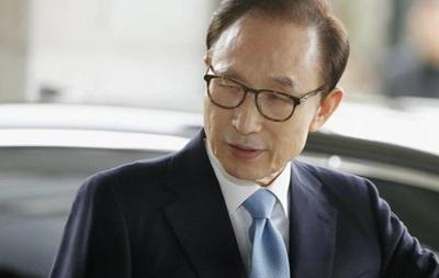 Экс-президент Южной Кореи арестован по подозрению в коррупции