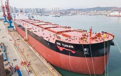 Китай збудував найбільший у світі рудовоз вантажопідйомністю 400 тисяч тонн