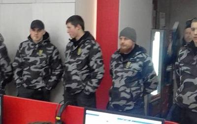 Нацдружины  взяли под охрану  телеканал ZIK