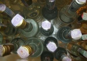 В Киеве СБУ изъяла десятки тысяч бутылок поддельной водки
