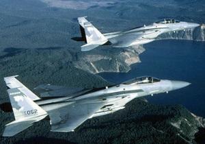 США подняли в воздух два F-15 для перехвата лайнера с неадекватным пассажиром