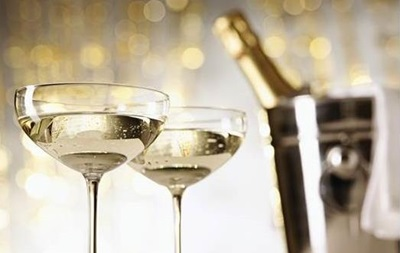 Чтобы похудеть, необходимо ежедневно пить шампанское, – диетологи