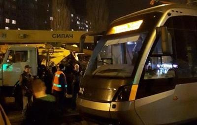 У Києві зійшов із рейок швидкісний трамвай